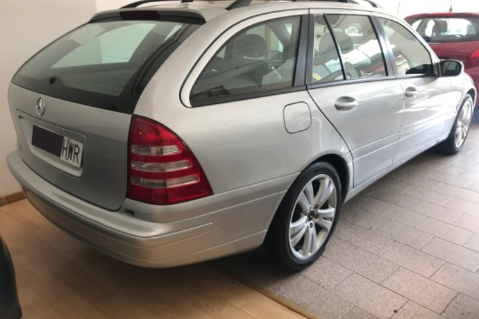 MERCEDES-BENZ C 220 CDI AVANTGARDE AUT .familiar